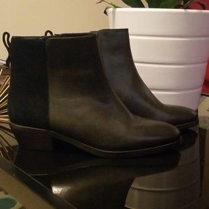 AUTHENTIC COACH BOOTIES (priced to sell)